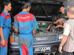 Tempat Kursus Mekanik Mobil Otomotif Murah Di Solo Surabaya Jogja